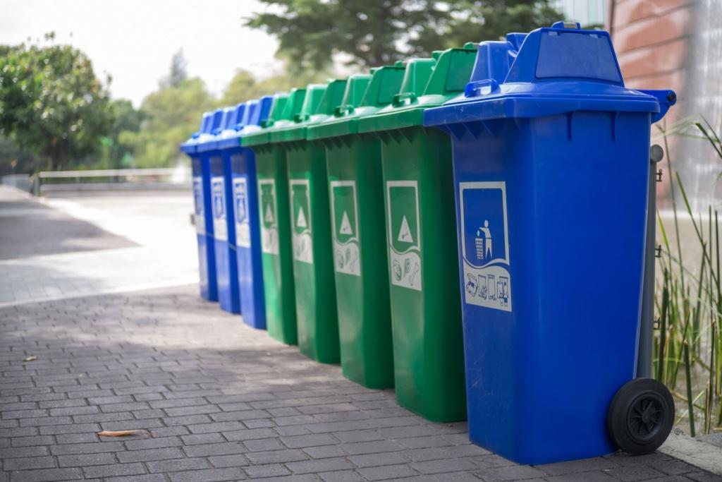 Преимущества службы сбора твердых бытовых отходов